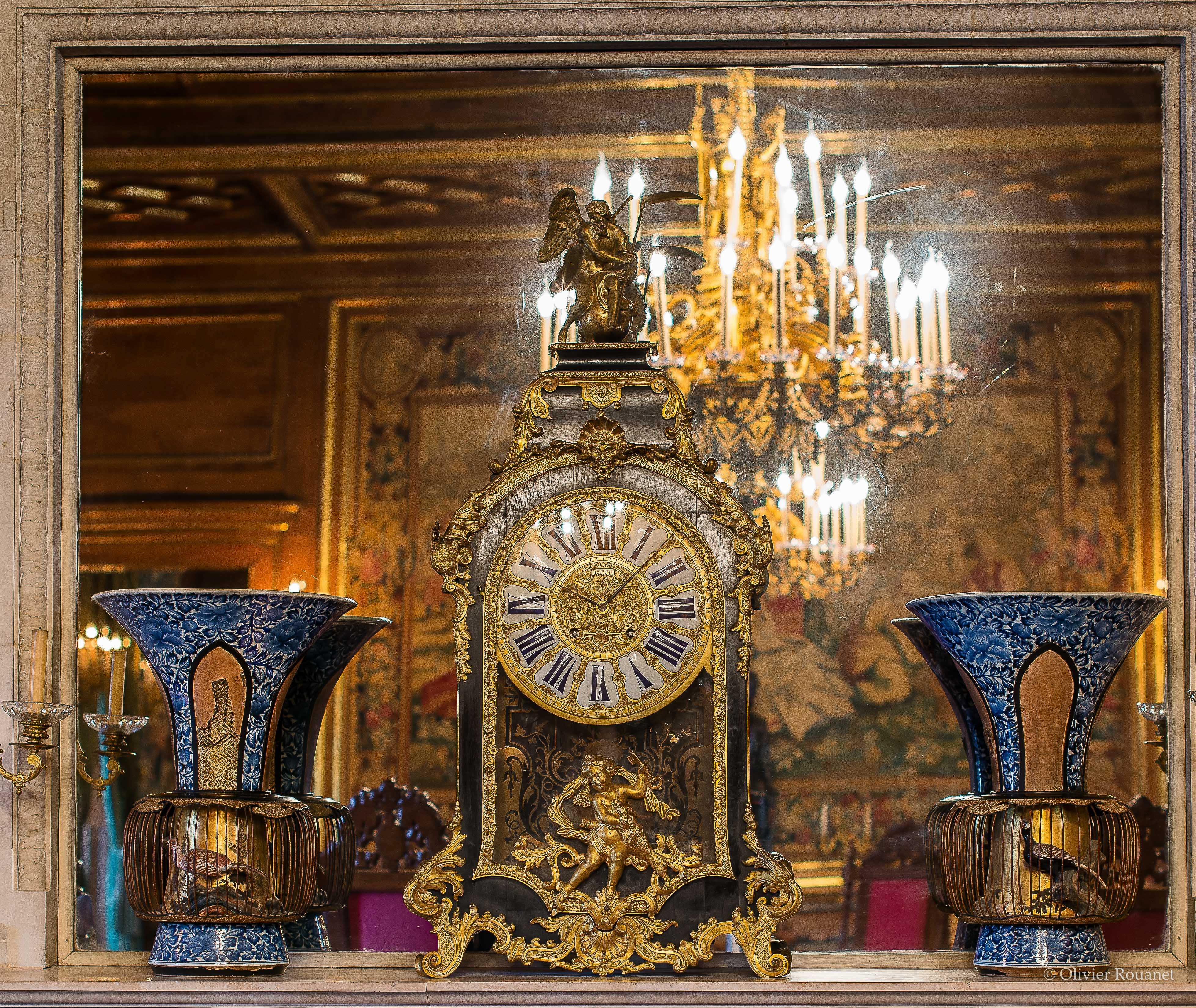 Salon de réception, cartel et vases-cages, Château de Pau