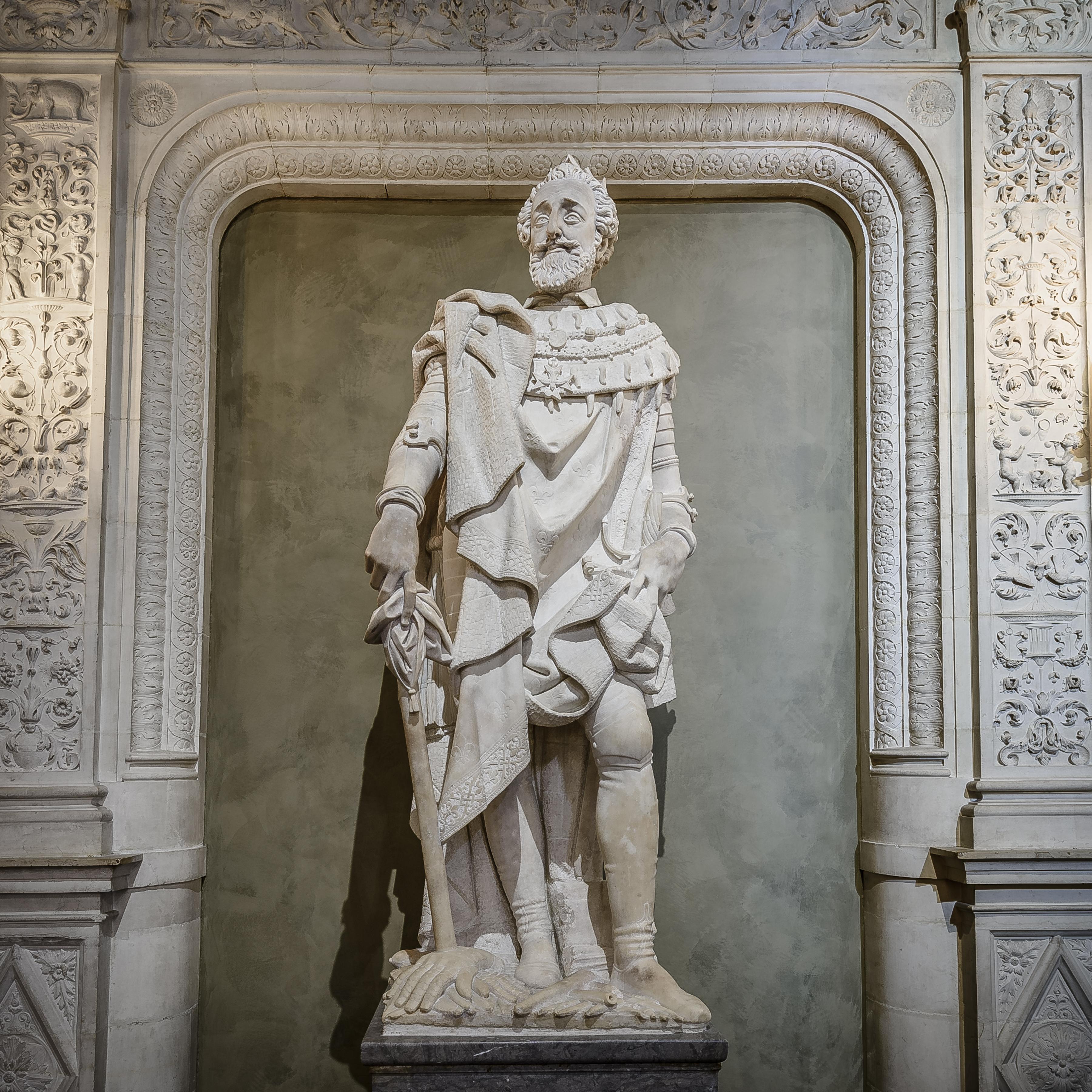 Henri IV, sculpture en marbre de carrare par Pierre de Franqueville (1548-1615)