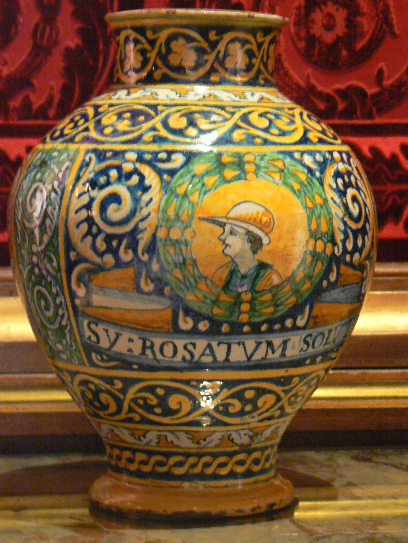 Majoliques palermitaines, anciens pots à pharmacie des années 1610-1620 - Salon de famille - Château de Pau