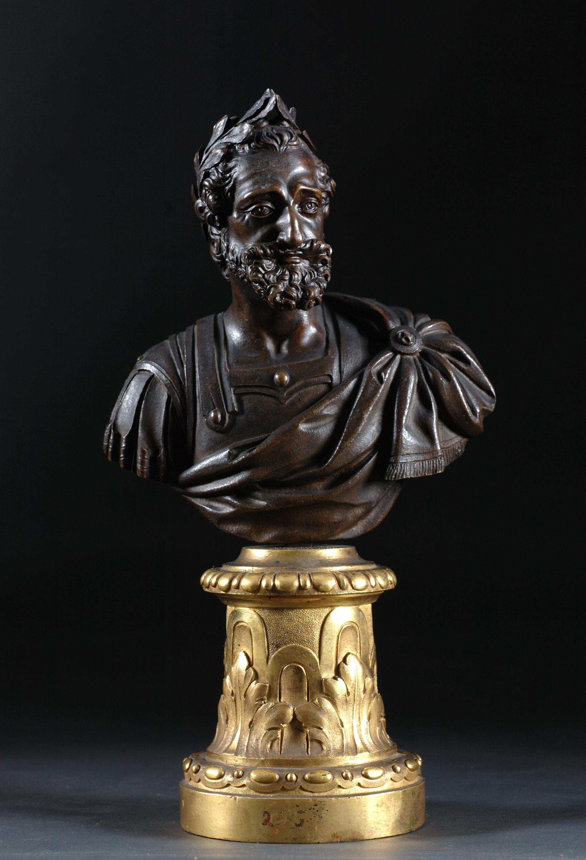 Henri IV en buste, France, XVIIIe siècle, Bronze sur socle en cuivre doré, Château de pau (dépôt du Louvre, département des Objets d'Art)