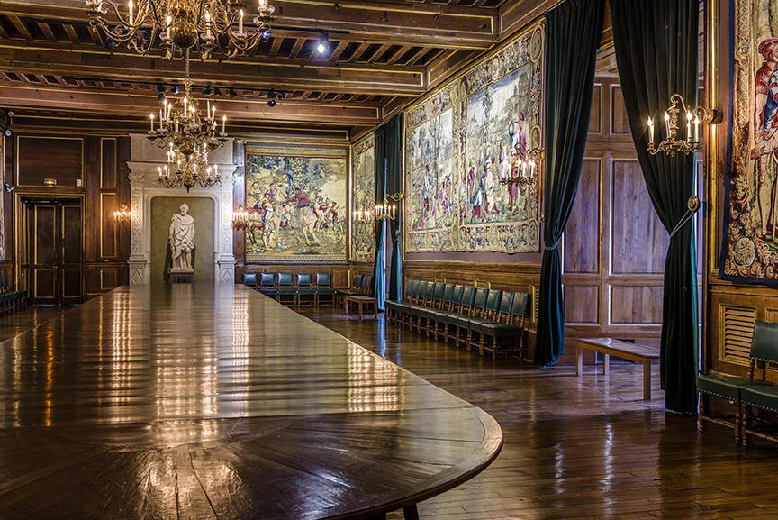 Vue d'ensemble de la salle au cent couverts, côté sud, Château de Pau