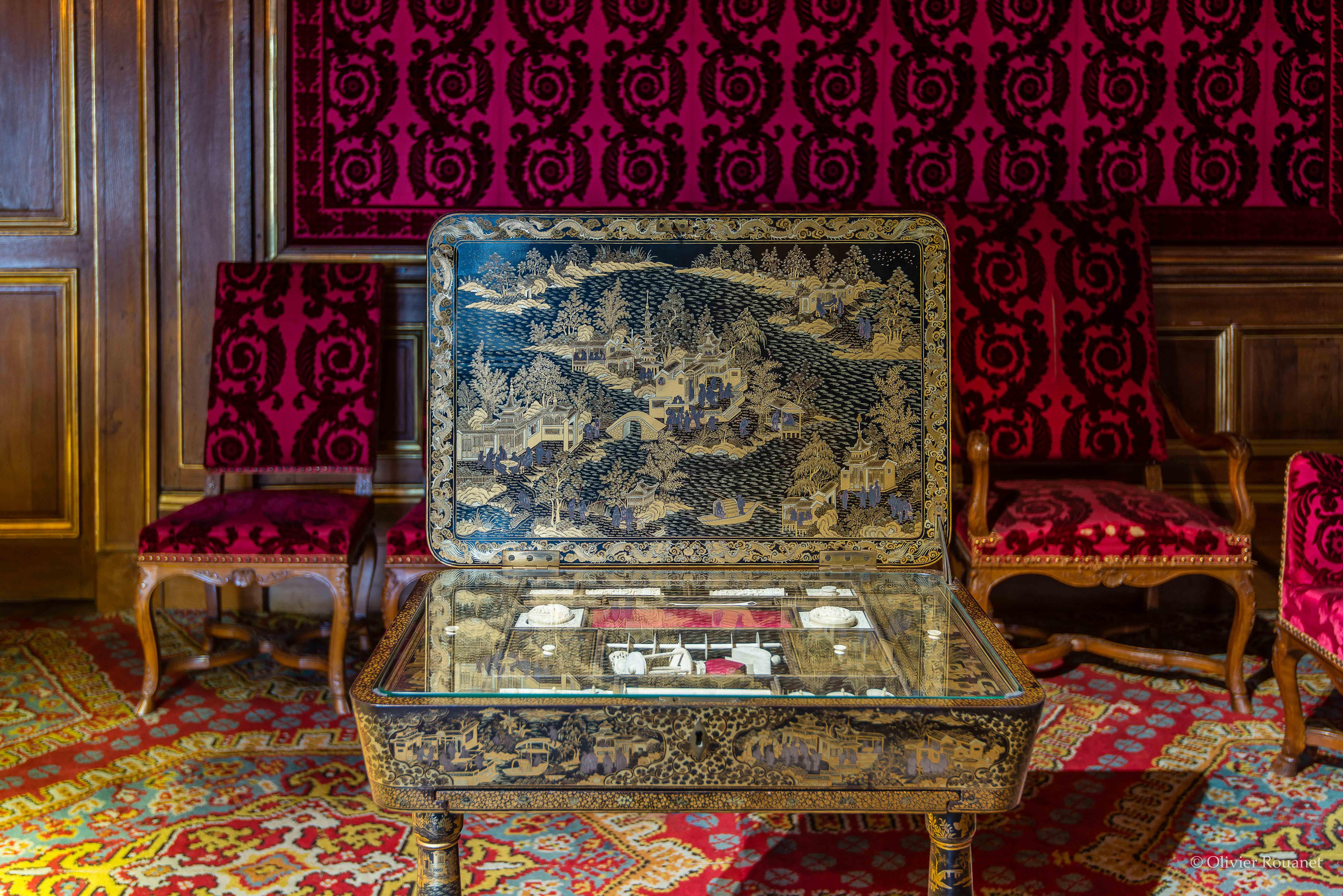 Table à ouvrage ou travailleuse - Salon de famille - Château de Pau