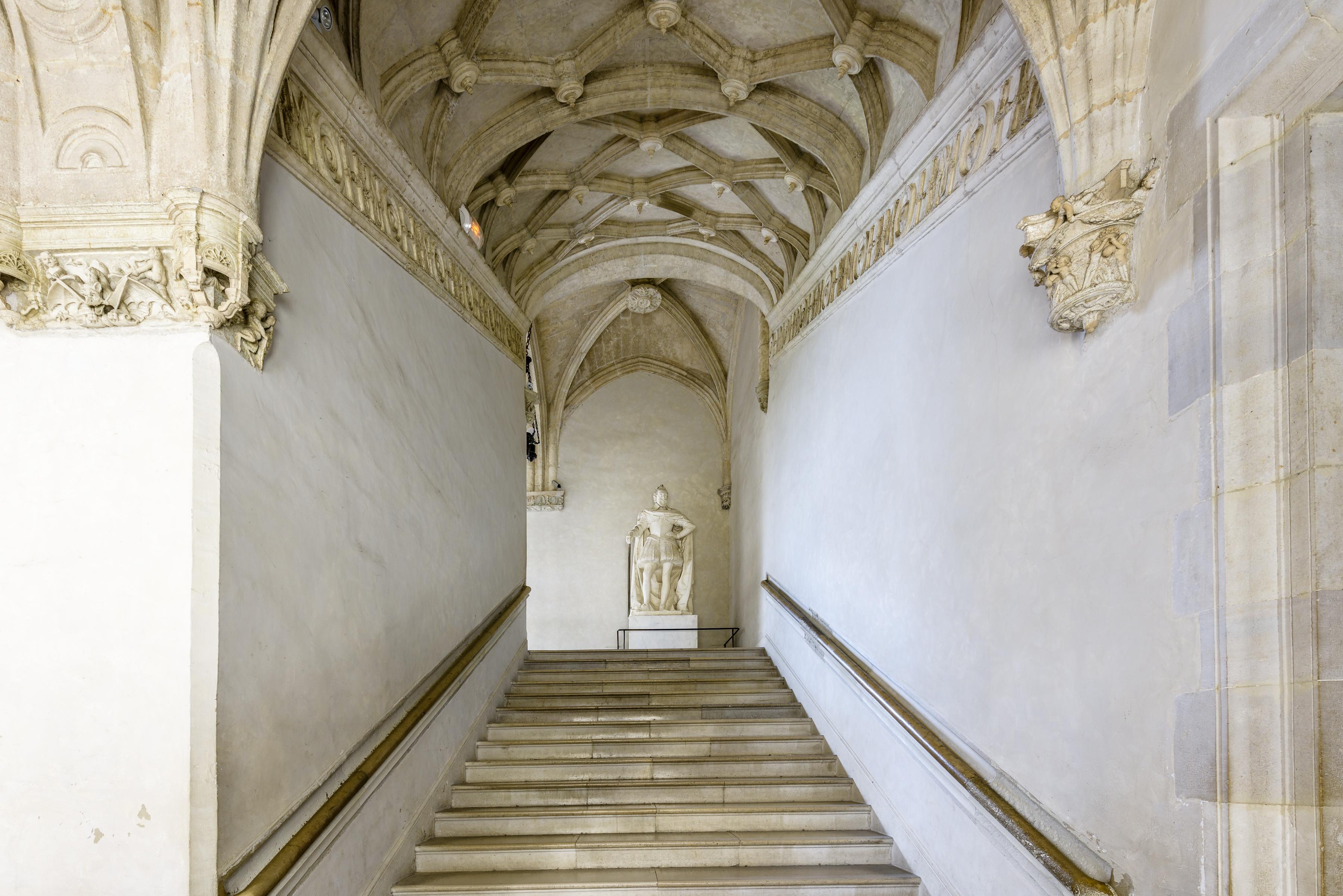 Vue d'ensemble de l'escalier d'honneur - Château de Pau